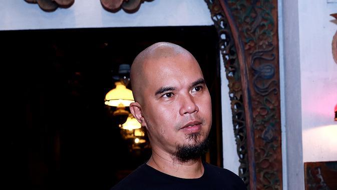 Foto preskon Ahmad Dhani Tentang Sidang Pra Peradilan Farhat Abbas Yang Ditolak PN Jakarta Selatan (Wimbarsana/bintang.com)
