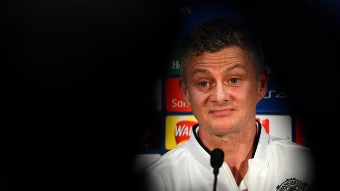 Manajer interim Manchester United (MU) Ole Gunnar Solskjaer pada konferensi pers jelang duel melawan PSG di Liga Champions. (AFP/Frank Fife)