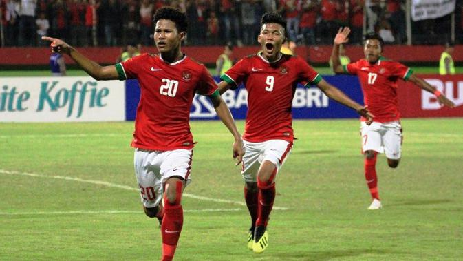 Selebrasi striker Timnas Indonesia U-16, Amiruddin Bagus Kahfi Alfikri usai menjebol gawang Malaysia pada semifinal Piala AFF U-16 2018. (Twitter/ASEAN Football)
