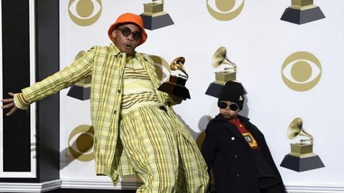 Soul Rasheed tampil serba hip-hop meniru ayahnya, Anderson .Paak yang merupakan rapper. (dok. Instagram @anderson_.paak/https://www.instagram.com/p/BtwJFX_HM2n/Esther Novita Inochi)