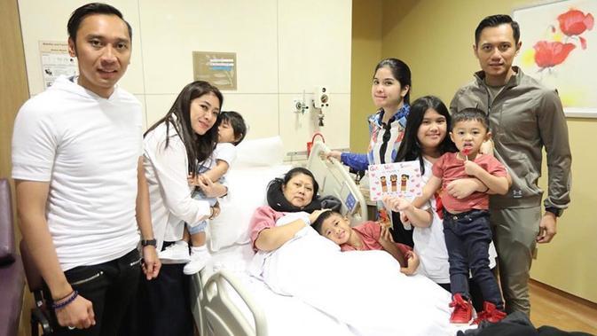 Ani Yudhoyono yang terngah terbaring sakit mendapatkan dukungan dan doa lekas sembuh dari keluarga. (dok. Instagram @annisayudhoyono/https://www.instagram.com/p/Btz6euBDVbl/Putu Elmira)