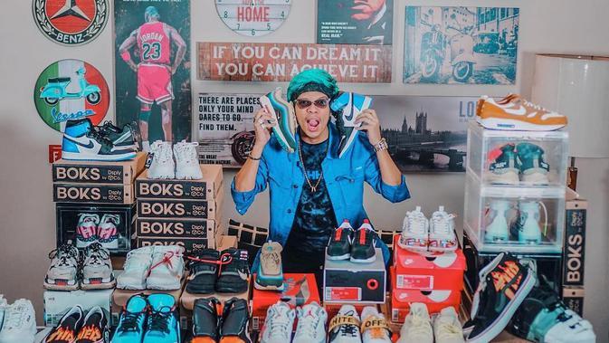 Sneakers Atta Halilintar (dok. instagram @attahalilintar/https://www.instagram.com/p/Boq6NqdhlHx/Adinda Kurnia)