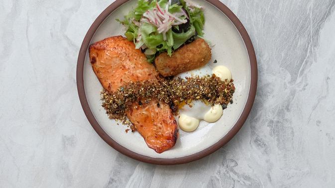 Sakuma, Devon Cafe