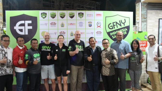 Kabupaten Samosir memperlihatkan keramahannya kepada peserta balap sepeda marathon Gran Fondo New York (GFNY)