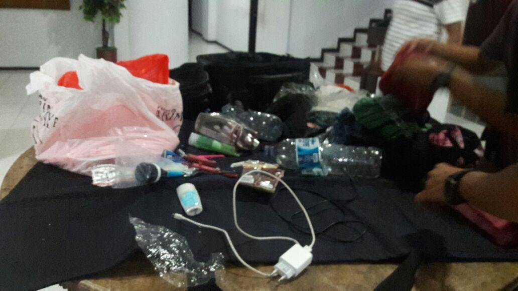 Isi koper mencurigakan di Manado