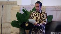 Jokowi Bagikan Sertifikat Tanah untuk Masjid dan Musala di Sumbar