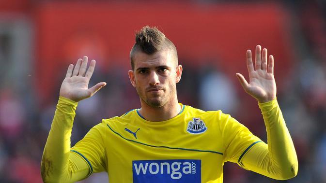 Davide Santon bersama Newcastle United. (AFP/ Glyn Kirk)