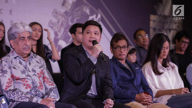 Deputy Director Programming SCTV, David Suwarto memberi paparan dalam konferensi pers Indonesia Box Office Movie Awards (IBOMA) 2018 di SCTV Tower, Jakarta, Rabu (14/3). (Liputan6.com/Faizal Fanani)