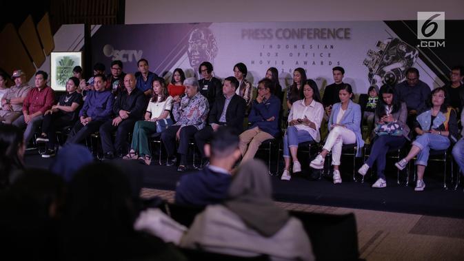 Suasana konferensi pers Indonesia Box Office Movie Awards (IBOMA) 2018 di SCTV Tower, Jakarta, Rabu (14/3). IBOMA 2018 menghadirkan 10 film di tahun 2017 yang terdiri dari 15 kategori penghargaan. (Liputan6.com/Faizal Fanani)