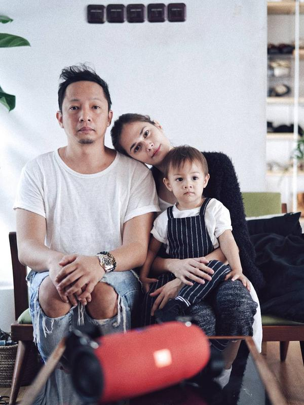 Keluarga Ringgo Agus Rahman dan Sabai Morshek (Foto: instagram.com/ringgoagus)