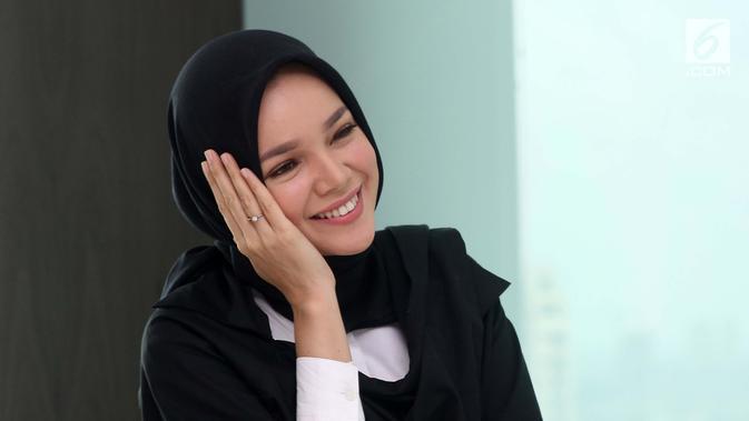 Dewi Sandra (Fatkhur Rozaq Rosyidi/Liputan6.com)