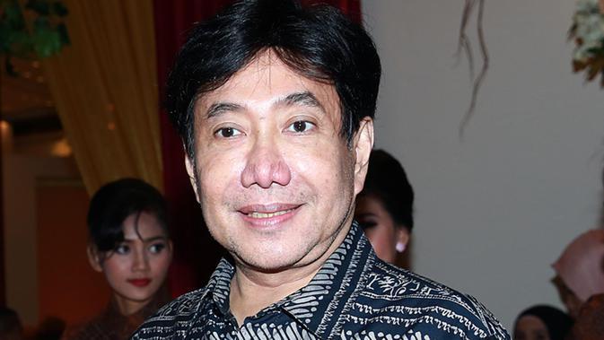 Menurut Guruh Soekarnoputra, penggunaan bahasa asing tak menunjukkan identitas Indonesia.  (Deki Prayoga/bintang.com)