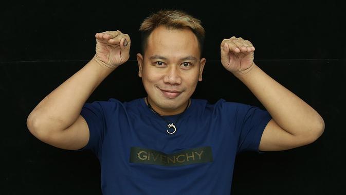 Mbah Mijan sebuah ajian pemikat sukma itu adalah rahasia Vicky Prasetyo digandrungi banyak wanita. (Bambang E.Ros/Bintang.com)