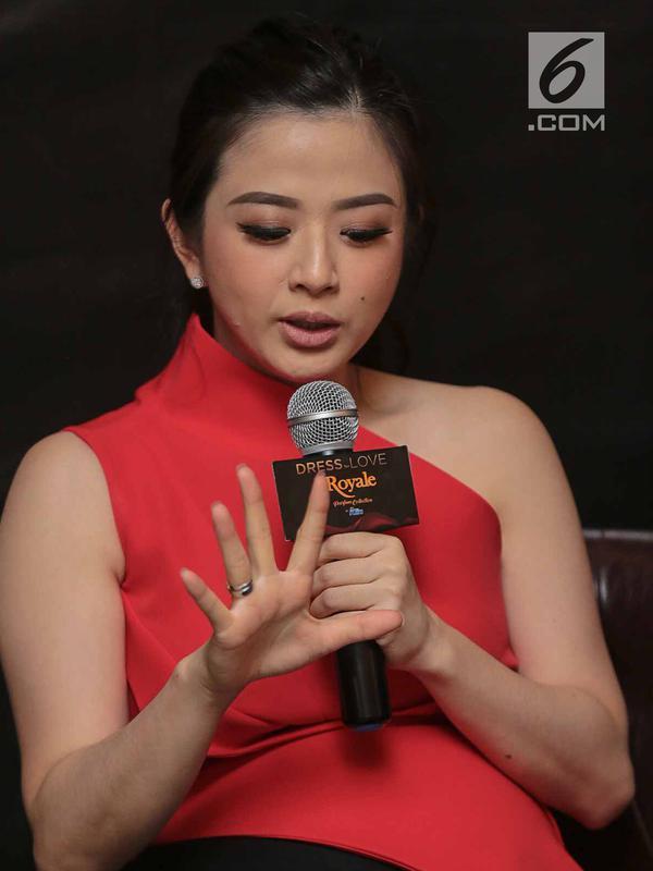 Artis Franda saat hadir sebagai pembicara dalam media talkshow