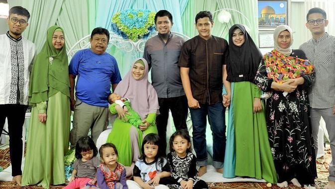 Keluarga Oki Setiana Dewi (Instagram/okisetianadewi)