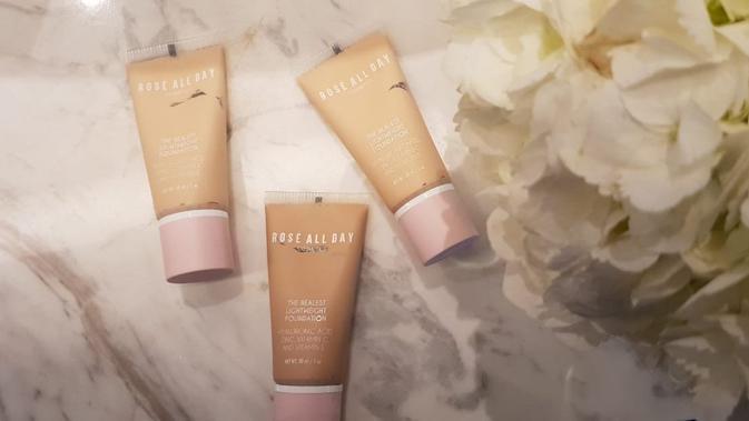 Bingung bagaimana tips untuk mendapatkan tampilan makeup natural dengan foundation? Simak ini.