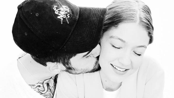Dilansir dari HollywoodLife, Zayn Malik ingin menikahi Gigi Hadid. (instagram/zayn)