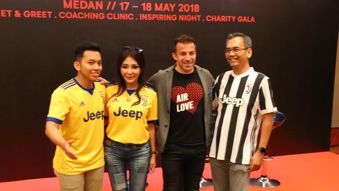 Del Piero (kedua dari kanan) saat acara meet n greet (Liputan6.com/Reza Perdana)