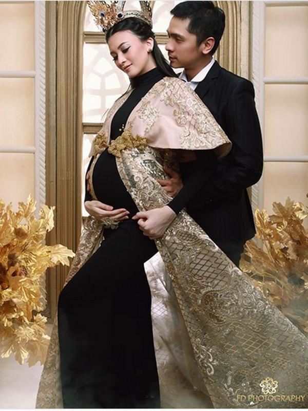 Saat suami Donita itu harus membisikan lafaz Allah, sang bayi sudah berada di dalam tabung oksigen. (donitabhubiy)