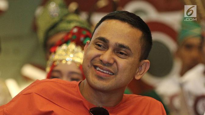 Presenter Ramzi saat jumpa pers Liga Dangdut Indonesia di SCTV Tower, Jakarta, Jumat (12/1). Peserta Liga Dangdut Indonesia akan dikomentari langsung oleh dewan dangdut dan promotor. (Liputan6.com/Herman Zakharia)