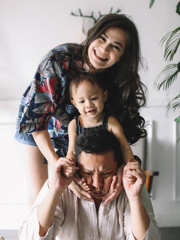 Keluarga Ringgo Agus Rahman dan Sabai Morshek (Instagram/sabaidieter)