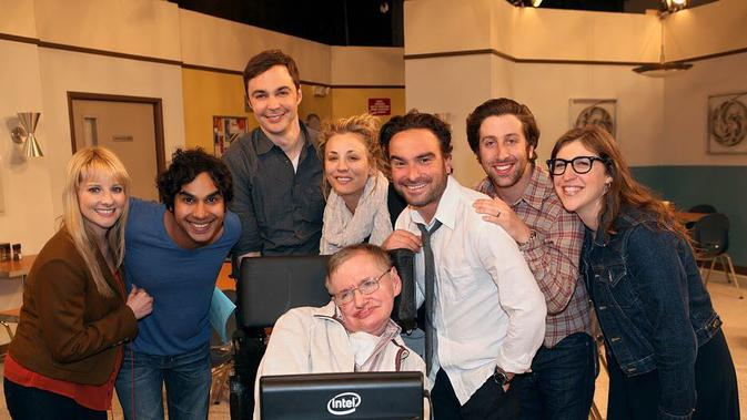 Stephen Hawking dan para pemain The Big Bang Theory (Instagram/bigbangtheory_cbs.)