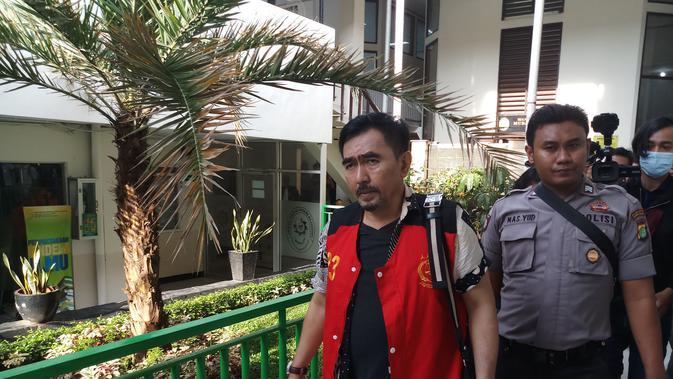 Gatot Brajamusti alias Aa Gatot di Pengadilan Negeri Jakarta Selatan (Liputan6.com/ Ady Anugrahadi)