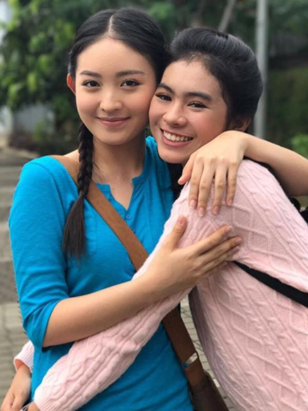 Natasha Wilona bersama rekannya di sinetron Siapa Takut Jatuh Cinta, Amara Sophie. (Instagram)