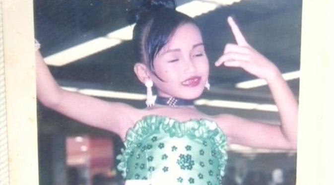 Saat mengikuti kontes bakat di usia 7 tahun